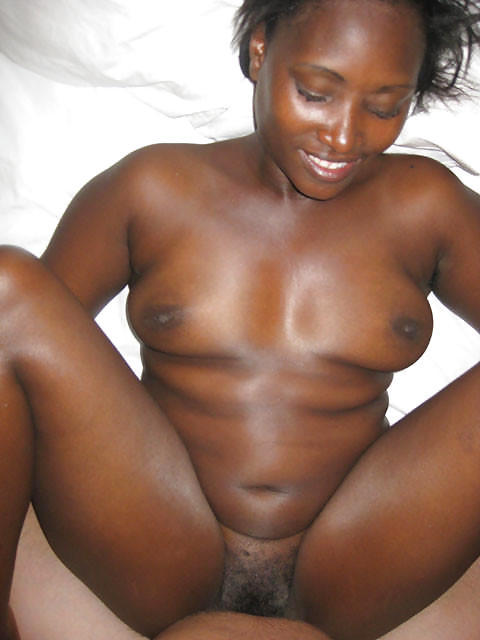 xxx.videos.com salope africaine home solo